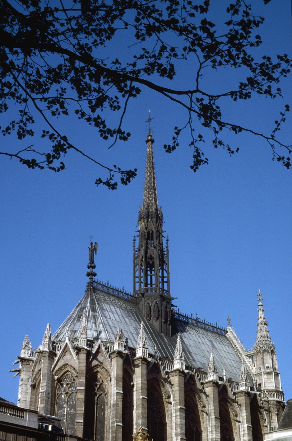 O Monuments Nationaux - Sainte Chape - Conciergerie Paris