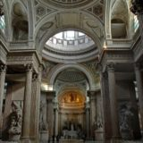 Visita noturna no Panteão Paris